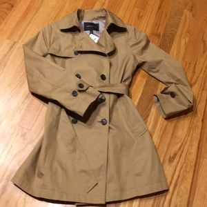 Banana republic new with tags trenchcoat